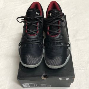 Under Armour TB Spawn Low basketball shoes